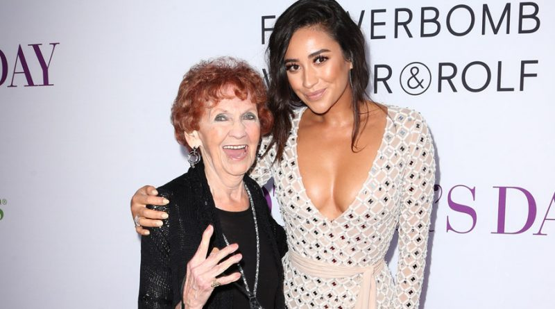 "Shay Mitchell from ""Pretty Little Liars"" Posts Selfie with her grandmother"