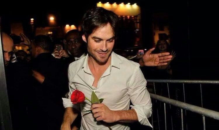 Ian Somerhalder published a lovable Photo of his Family for Valentines Day