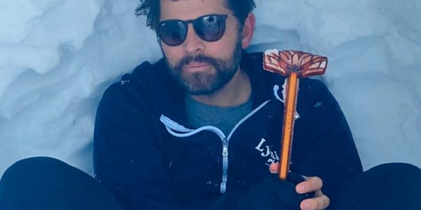 Look at Misha Collins trying to take social distancing more seriously! (Photos)
